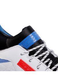 Białe buty sportowe Reebok z cholewką, na co dzień