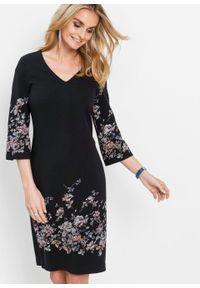 Czarna sukienka bonprix w kwiaty, dopasowana, z dekoltem w serek