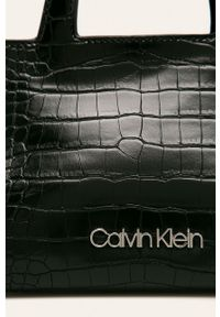Czarna listonoszka Calvin Klein mała, na ramię