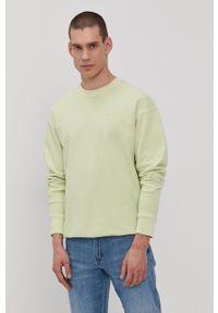 Levi's® - Levi's - Bluza. Okazja: na co dzień, na spotkanie biznesowe. Kolor: zielony. Materiał: dzianina. Wzór: gładki, aplikacja. Styl: casual, biznesowy