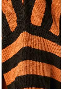 Brązowy sweter ANSWEAR z dekoltem w łódkę #5