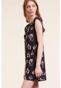 Etam - Koszula nocna Cicilia. Kolor: czarny. Materiał: koronka. Długość: krótkie
