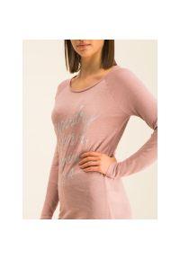 Różowy sweter Superdry
