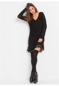 Sukienka dzianinowa z koronkowymi falbanami bonprix czarny. Typ kołnierza: dekolt w serek. Kolor: czarny. Materiał: dzianina, koronka