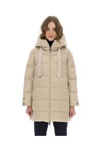 HERNO - Długa beżowa kurtka z kapturem. Typ kołnierza: kaptur. Kolor: beżowy. Długość rękawa: długi rękaw. Długość: długie