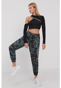 LABELLAMAFIA - LaBellaMafia - Spodnie. Kolor: zielony
