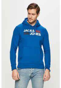 Niebieska bluza nierozpinana Jack & Jones z kapturem, z nadrukiem, casualowa