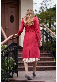 Marie Zélie - Trencz Adria bawełna z elastanem czerwony. Kolor: czerwony. Materiał: bawełna, elastan. Sezon: lato. Styl: klasyczny #6
