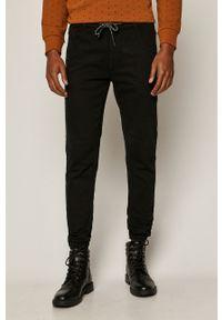 Czarne jeansy medicine