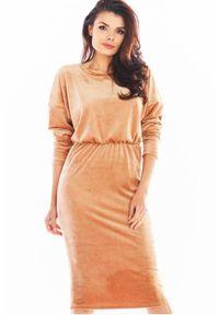 Awama - Welurowa sukienka z regulowaną długością. Materiał: welur. Długość rękawa: długi rękaw. Długość: mini