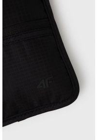 4f - 4F - Saszetka. Kolor: czarny