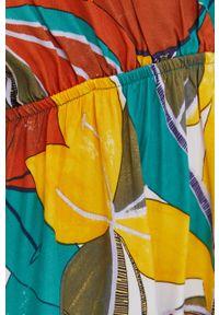 Answear Lab - Sukienka. Materiał: tkanina. Długość rękawa: krótki rękaw. Typ sukienki: rozkloszowane. Styl: wakacyjny