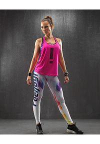 Różowa koszulka sportowa FJ! w kolorowe wzory