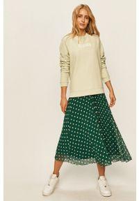 Levi's® - Levi's - Bluza. Okazja: na co dzień, na spotkanie biznesowe. Kolor: zielony. Długość rękawa: długi rękaw. Długość: długie. Wzór: nadruk. Styl: casual, biznesowy