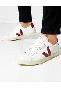 Veja - VEJA - Skórzane sneakersy Esplar Marsala. Kolor: biały. Materiał: skóra. Szerokość cholewki: normalna. Wzór: aplikacja
