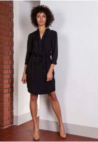 Czarna sukienka Lanti prosta, na co dzień, casualowa, ze stójką