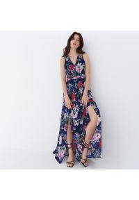 Mohito - Sukienka maxi w kwiaty - Niebieski. Kolor: niebieski. Wzór: kwiaty. Długość: maxi