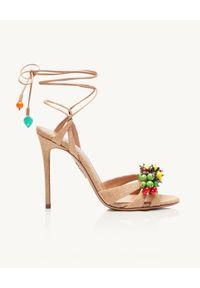 AQUAZZURA - Sandały na szpilce Tutti Frutti. Zapięcie: pasek. Kolor: beżowy. Materiał: tkanina. Wzór: kolorowy, aplikacja. Obcas: na szpilce