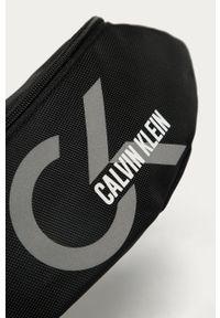 Czarna nerka Calvin Klein Performance z nadrukiem