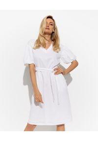 PESERICO - Biała sukienka mini. Kolor: biały. Materiał: materiał, bawełna. Wzór: aplikacja. Sezon: wiosna, lato. Długość: mini