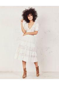 Biała sukienka na randkę, midi, boho, z haftami