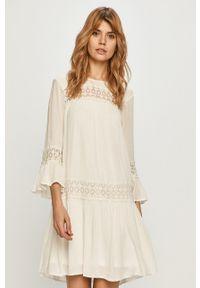 only - Only - Sukienka. Okazja: na co dzień. Kolor: biały. Materiał: koronka. Typ sukienki: proste. Styl: casual