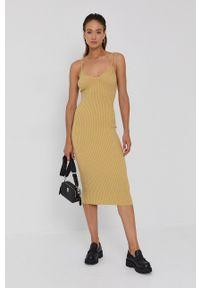 AllSaints - Sukienka. Kolor: złoty. Materiał: dzianina. Długość rękawa: na ramiączkach. Wzór: gładki. Typ sukienki: dopasowane