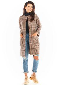 Brązowy płaszcz Awama