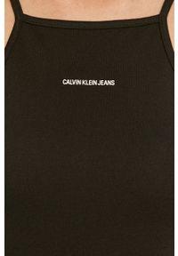Calvin Klein Jeans - Sukienka. Kolor: czarny. Materiał: dzianina. Długość rękawa: na ramiączkach. Typ sukienki: dopasowane