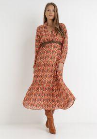Born2be - Beżowo-Pomarańczowa Sukienka Z Paskiem Khazin. Kolor: beżowy. Wzór: aplikacja, kolorowy. Sezon: lato. Typ sukienki: kopertowe. Długość: midi