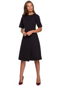 MOE - Sukienka z Kopertowym Dołem - Czarna. Kolor: czarny. Materiał: poliester, elastan. Typ sukienki: kopertowe