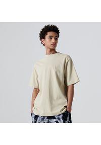 Cropp - Koszulka basic comfort - Beżowy. Kolor: beżowy