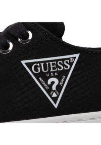 Czarne trampki Guess