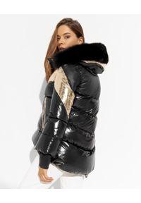 FLO&CLO - Czarna kurtka ze złotymi wstawkami Cliod. Kolor: czarny. Materiał: puch, futro