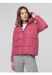 Różowa kurtka puchowa 4f ze stójką
