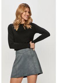 Czarny sweter Vero Moda długi, casualowy, na co dzień