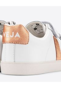 Veja - VEJA - Sneakersy ze skóry Esplar 3-Lock. Okazja: na co dzień. Zapięcie: pasek. Kolor: biały. Materiał: skóra. Wzór: paski, aplikacja
