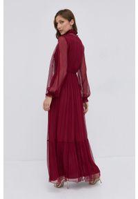 Nissa - NISSA - Sukienka. Kolor: czerwony. Materiał: tkanina. Długość rękawa: długi rękaw. Wzór: gładki. Typ sukienki: rozkloszowane
