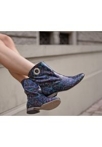 Zapato - wsuwane botki na niskim obcasie - skóra naturalna - model 270 - kolor indian. Zapięcie: bez zapięcia. Materiał: skóra. Szerokość cholewki: normalna. Obcas: na obcasie. Styl: boho, klasyczny. Wysokość obcasa: niski