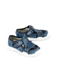 ViGGaMi - VIGGAMI ADAŚ STEMPLE jeans, kapcie dziecięce, rozmiary 26-30. Kolor: niebieski. Materiał: jeans