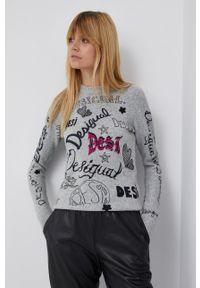 Desigual - Sweter z domieszką wełny. Okazja: na co dzień. Kolor: szary. Materiał: wełna. Długość rękawa: długi rękaw. Długość: długie. Styl: casual