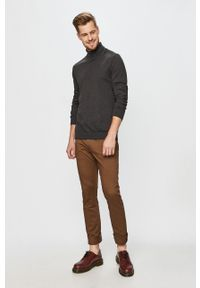 GAP - Spodnie. Kolor: brązowy