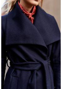 Marie Zélie - Płaszcz Adela granatowy –wełna Nova Fides. Kolor: niebieski. Materiał: wełna. Długość rękawa: długi rękaw. Długość: długie. Sezon: zima #7