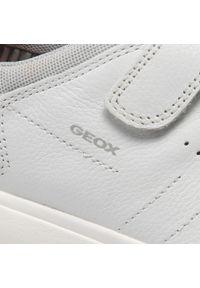 Geox - Sneakersy GEOX - J Nebcup B. B J02AZB 04614 C0085 S White/Red. Okazja: na spacer, na co dzień. Zapięcie: rzepy. Kolor: biały. Materiał: skóra, materiał. Szerokość cholewki: normalna. Styl: casual