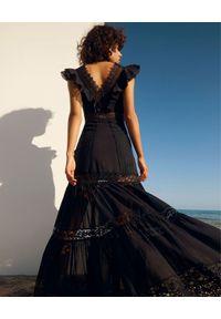 Czarna sukienka maxi, w koronkowe wzory
