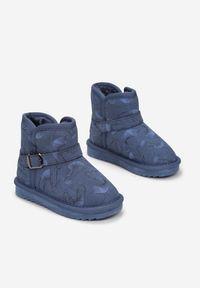 Born2be - Granatowe Śniegowce Malverel. Okazja: na spacer. Wysokość cholewki: za kostkę. Nosek buta: okrągły. Zapięcie: bez zapięcia. Kolor: niebieski. Materiał: futro. Szerokość cholewki: normalna. Wzór: nadruk. Sezon: zima