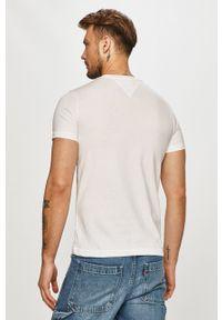 Tommy Jeans - T-shirt. Okazja: na co dzień. Kolor: biały. Materiał: bawełna, dzianina. Styl: casual