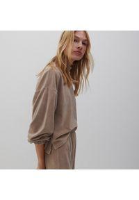 Reserved - Dzianinowa bluza - Beżowy. Kolor: beżowy. Materiał: dzianina