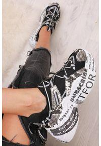 Czarne buty sportowe IVET z napisami