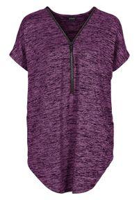 Shirt oversize z zamkiem bonprix jagodowy melanż. Typ kołnierza: dekolt w serek. Kolor: fioletowy. Wzór: melanż